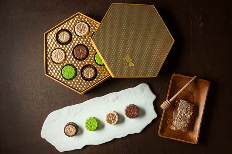 mooncake-shangri-la-chocolate-mooncake